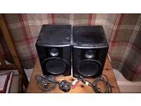 M Audio AV30 desktop stereo monitor speakers