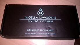 Nigella Lawson black melomine spoon rest (in it's box)