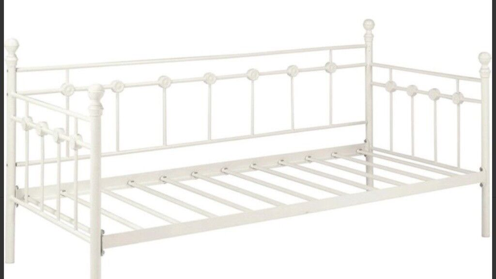 Bargain Lovely Abigail Single Bed Frame Daybed Shabby Chic In