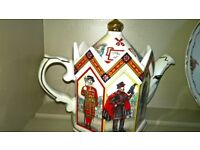 Sadler Vintage China Teapot Tower Of London Design Excellent Condition
