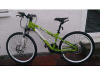 Boys / Kids Carrera Blast quality Mountain Bike MTB