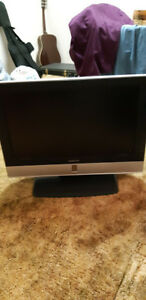 """Daenyx 26"""" LCD Television w/DVD Player and Tuner"""