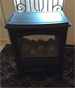 Small electric fireplace heater - works well, good condition