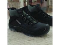 Secor size 10 safety boots