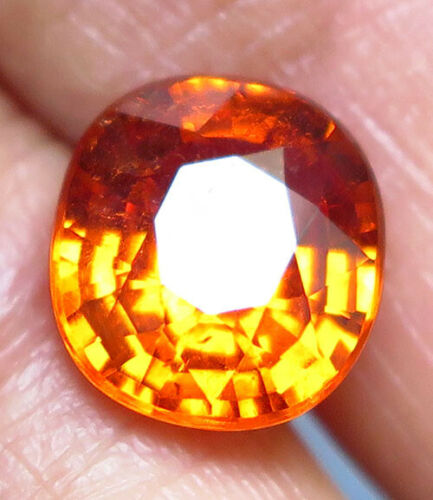 3.81ct. Oval cut Orange Mandarin Spessartite Garnet VS