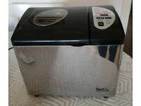 MORPHY RICHARDS BREAD MAKER