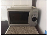 SHARP MICROWAVE OVEN (Made in UK 🇬🇧)👍🏻£20 Ono