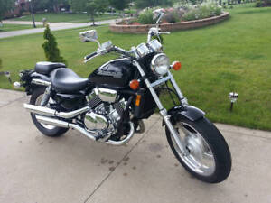 Steal of a Deal - Beautiful Black Honda Magna - Like New!!
