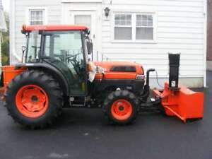 Kubota L-5030 with front blower, low hrs great deal