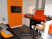 LARGE MODERN ROOMS (No Deposit) IN FRIENDLY HOUSE SHARE CLOSE TO LUTON TOWN CENTRE