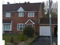3 BED UNFURNISHED HOUSE FOR RENT IN HENDY - NEWLY REDECORATED