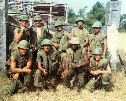 Vietnam War USMC 5th Marines Hue 1968 Hazey Glossy 8x10 Photo