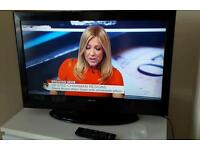 "CELCUS 32"" HD LCD TV"