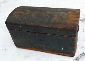 Antique blue color wood blanket box trunk – coffre bombé