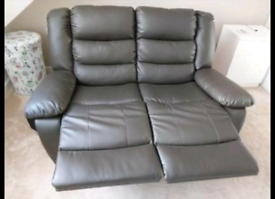 Sofa set two pairs 3 seater and 2 seater