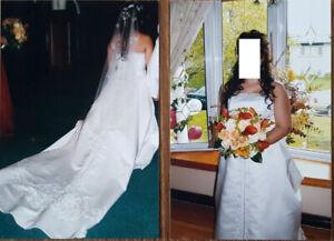Beautiful White Wedding sleeveless dress worn once