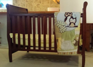 Crib/Mattress/Owl Blanket