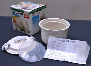 New microwave 2-cup rice cooker with lid & instructions