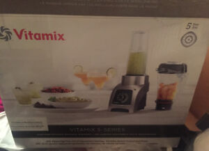 Vitamix S55. Personal size blender. New. Not used.