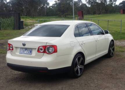 LUXURY 2006 VOLKSWAGEN JETTA WITH 1 YEAR REGO WITH LOW K.M