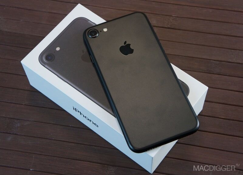 iPhone 7 Unlocked 32gb Blackin Accrington, LancashireGumtree - iPhone 7 unlocked brilliant condition with box and charger. This phone is immaculate its the black coloured iPhone 32gb. This phone is the cheapest on the internet, dont miss out!!!