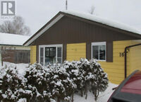 Show True Pride of Ownership! Detached Bungalow In Elliot Lake!