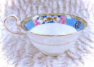 Exquisite Aynsley Royal Blue Lace Teacup White Vintage Tea Cup