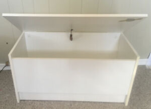 Toy Box/Bench (pressboard with safety hinge)