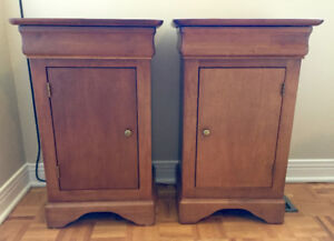 Bedside tables, Solid wood, Like new