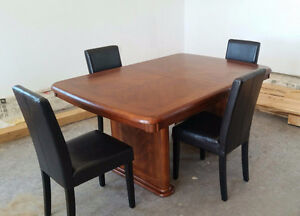Dining table with leaf and 4 chairs