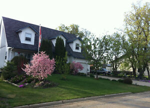 Awesome 2 story house near golf course in Barrhead