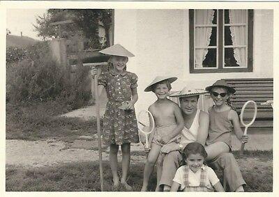 20/577 FOTO KINDER  MIT WETTERFESTEN KNITTER FREIEN - Kinder Mit Hüten