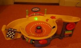 SPINNING CAR TOY