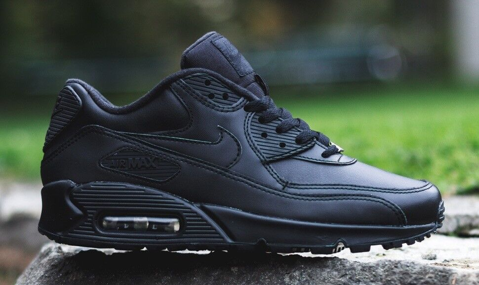 Nike air max 90 Size 9 | in Hayes, London | Gumtree