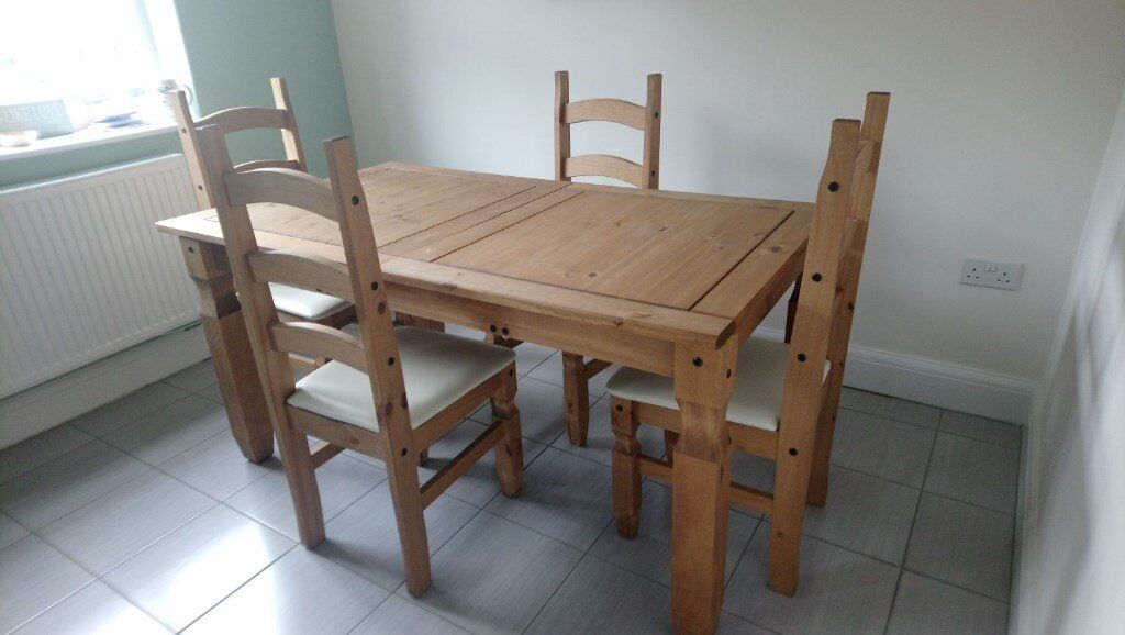 Dining table & 4 chairs - 7 months old / hardly used / like new. Great value