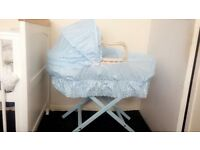 Baby blue Moses basket&stand