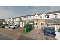 Beckton E16. Light, Spacious & Modern 3 Bed Fully Furnished House with Driveway & Garden