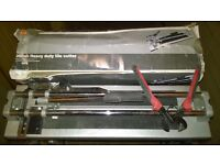 B&Q 400mm Heavy Duty Tile Cutter with heavy duty tile snippers