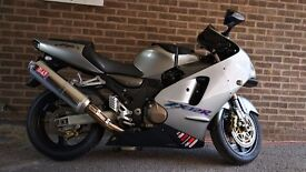 Kawasaki ZX12R A1 Great condition, unrestricted version.