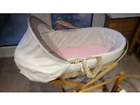 George Teddy In The Park Moses Basket with Rocker + Folding Stand