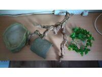 Aquarium, bowl, hide, log, grass, snake ect
