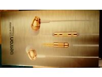 Brand new boxed Betron gold and white earphones
