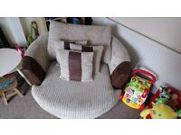 Cuddle Chair Sofa. Can deliver in Telford - Great condition!