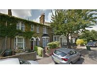 Walthamstow E17. Spacious & Contemporary 2 Bed Furnished Flat on Tranquil Street with Communal Garde