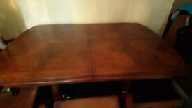 6 seater extendable table and 6 chairs for sale need gone ASAP