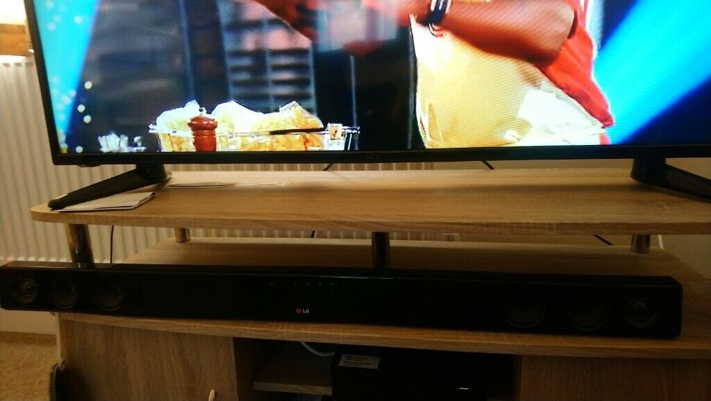 Lg sound bar and subwoofer  Comes with remote  Usb and bluetooth  | in  Salisbury, Wiltshire | Gumtree