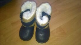 Toddler boots 3.5- 4.5 size