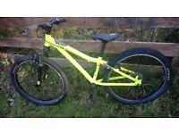 Commencal Ramones 24 inch kids mountain bike, 7 gears, front suspension, neon yellow (2015)