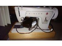 Vintage singer machine in case model 239 fashion mate