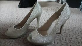 Dorothy perkins size 6 gold glittery high heels shoes